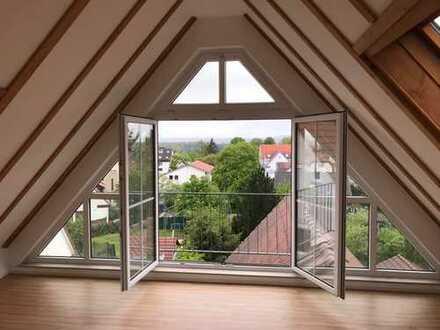 Stilvolle, neuwertige 4-Zimmer-Maisonette-Wohnung mit Balkon in Ostfildern-Kemnat