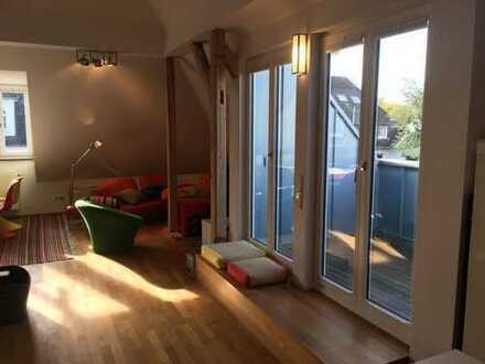 Top-Dachgeschoss-Loft-Maisonette, möbliert, voll ausgestattet, mit Mezzanine/Galerie