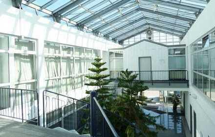 Moderne, sehr gut ausgestattete Büroräume in einem architektonisch reizvollen Bürogebäude