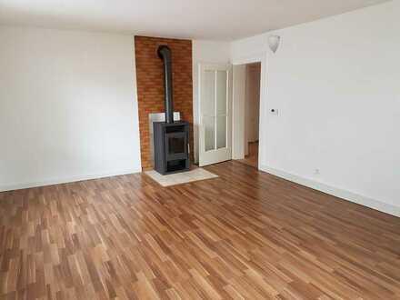 Vollständig renovierte 3-Raum-Wohnung mit Einbauküche in Aschaffenburg