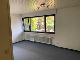Attraktive 2,5-Zimmer-Terrassenwohnung mit EBK und separatem Garten in Großbettlingen