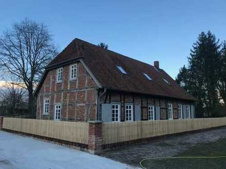 Erstbezug nach Sanierung: ansprechendes 6-Zimmer-Einfamilienhaus mit Einbauküche in Celle, Celle