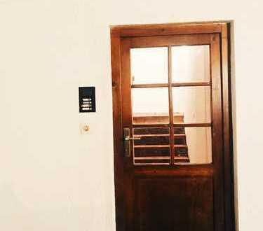 Vollständig renovierte 1-Zimmer-EG-Wohnung mit Kochnische in Mainz-Ebersheim