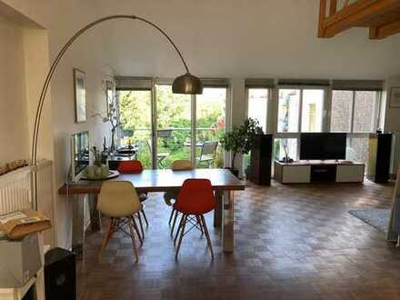 Südstadt Maisonette-Wohnung in Rheinufernähe