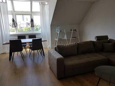 Vollmöbilierte 2-Zimmer-Dachgeschosswohnung in Karlsruhe, Nähe Günther-Klotz-Anlage