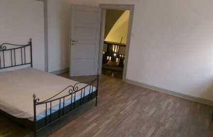 Schönes (großes) WG-Zimmer, in ruhiger und doch zentraler Lage