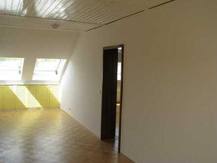 Vollständig renovierte 3-Zimmer-Wohnung mit Einbauküche in Schwalbach