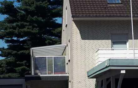 Sehr schöne 5 Zimmer Wohnung über 2 Etagen, mit großer Terrasse in Dinslaken-Bruch