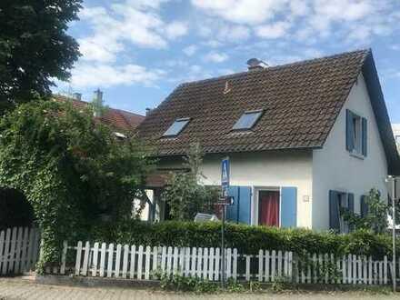 Charmantes Einfamilienhaus mit Charme und Stil in Bühl !