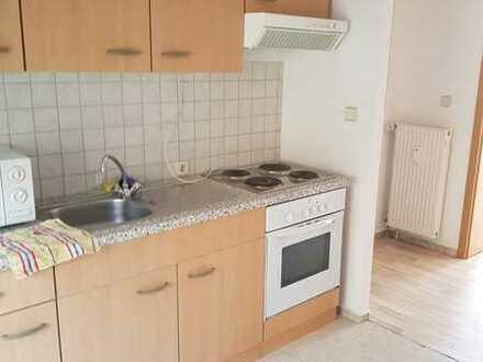 Günstige, geräumige und sanierte 1-Zimmer-Wohnung mit EBK in Perleberg