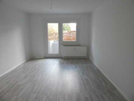 * 500 € Umzugsbonus * 4-Raum Wohnung mit Balkon für die ganze Familie, EBK möglich