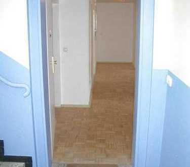 Schöne renovierte 4-Zimmer mit Balkon, optional mit Garage, EBK in Hochspeyer neben Kaiserlautern