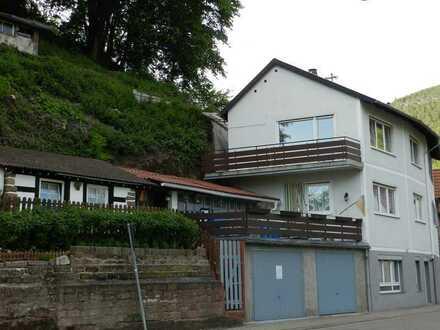 Gepflegte DG- Whg mit 3 Zimmern und Balkon in Frankeneck