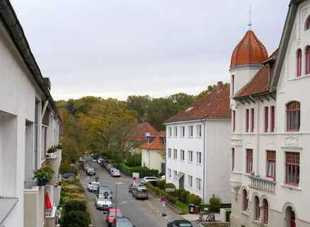 Schöne 5-Zimmer Wohnung nahe Eilenriede, 2 Garagen, 2 Balkone