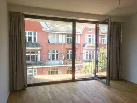 moderne 2-Zimmerwohnung, Erstbezug nahe Landwehrkanal und Treptower Park