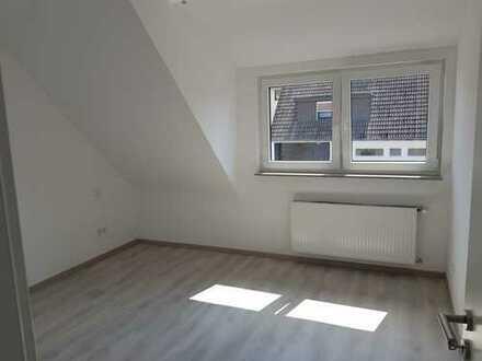 Top DG-Wohnung in sehr guter und ruhiger City Lage! Erstbezug nach Sanierung mit Balkon !