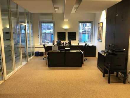 Klimatisierte Büros in kleiner Einheit mit 4 Mietern (Anwälte, Ingenieurbüro, Personalberatung)