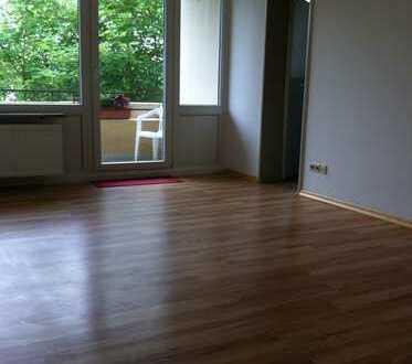Schöne zwei Zimmer Wohnung in Bremen, Hermann-Osterloh-Str.