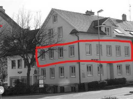 Gepflegte Wohnung mit drei Zimmern und Einbauküche in Wangen