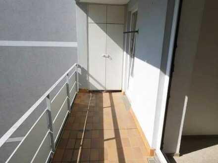 Balkon, saniert, Duschbad, Laminat