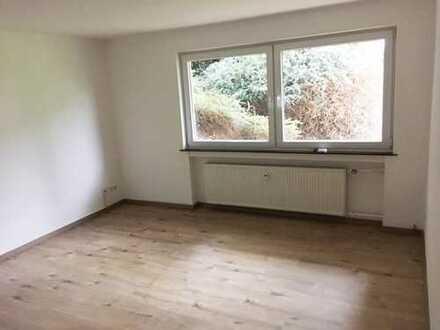 MEERBUSCH-BÜDERICH - 1-Zimmer Souterrainwohnung mit Wohnküche - Renoviert -