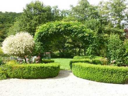 Absolute Alleinlage! Sanierte Bauernmühle mit parkähnlicher Gartenanlage sowie Weidefläche.