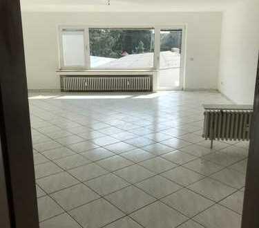 Helle 3-Zimmer-Whg.   Dachterrasse   am Stadtwald gelegen
