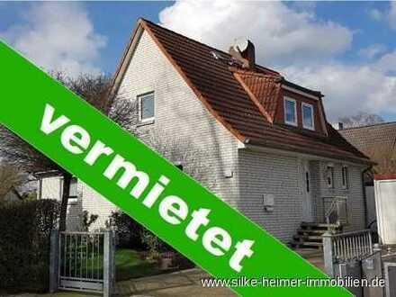 Großzügiges und sehr gepflegtes Einfamilienhaus in grüner Lage sucht nette Familie- frei ab sofort !