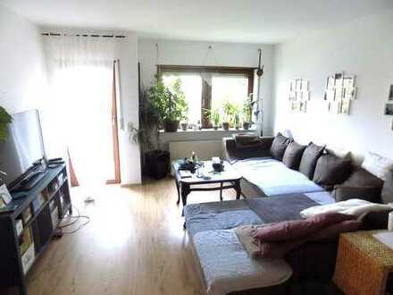 Geräumige 3 Zimmerwohnung auf 2 Ebenen mit Balkon und Gartenanteil