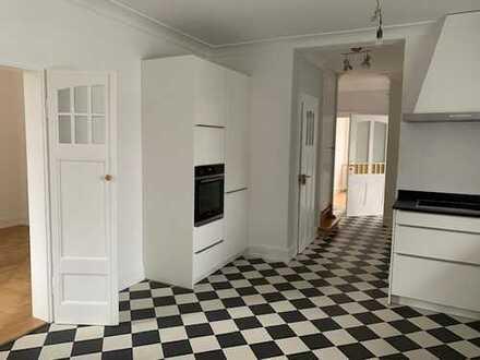 Hochwertig sanierte Wohnung in Villa Heidelberg Neuenheim