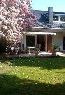 Modernisierte 3-Raum-Wohnung mit Garten und Einbauküche in Heddesheim