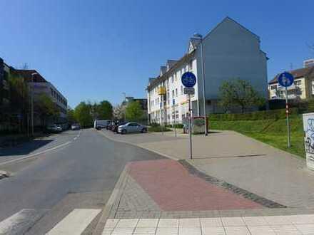 Praxisräume im Hochparterre, zentral mit Parkplätzen in S-Bahnnähe, provisionsfrei ab 3 Jahre MV!