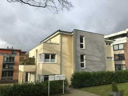 Schöne, geräumige zwei Zimmer Wohnung in Lübeck, St. Gertrud