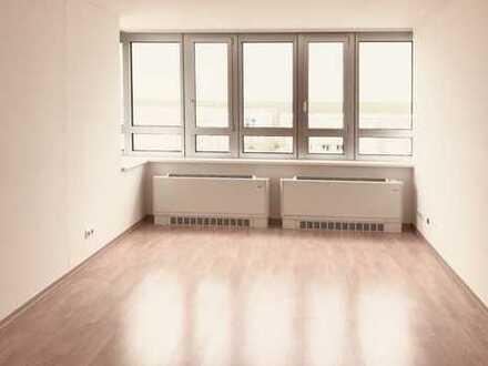 Kompakte und gut geschnittene 2-Zimmer-Wohnung mit EBK im TOWER Stern Plaza 8.OG -we80-