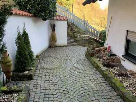 Grosszügige 4 - 5 ZKB, WC + Terrassen I ca. 195 m² Wohnfläche I Kamin & EBK & SAUNA & GARAGE