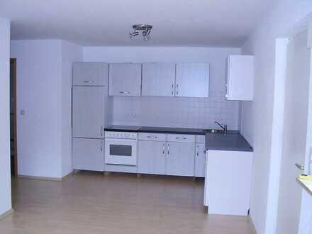 Gepflegte 2-Raum-Single-Wohnung mit Einbauküche in Mörlenbach