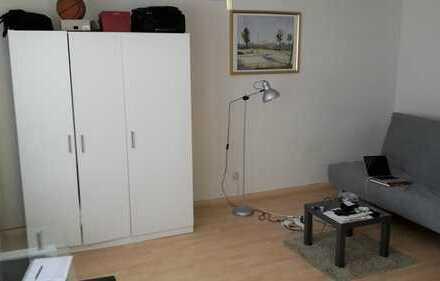 Schöne 1-Zimmer-Wohnung mit Balkon und Einbauküche in Augsburg