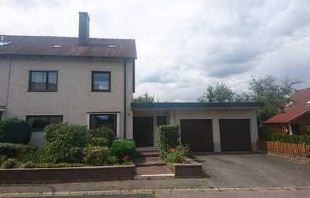 Schön geschnittenes Haus in Weiden, ruhige Lage am Hammerweg