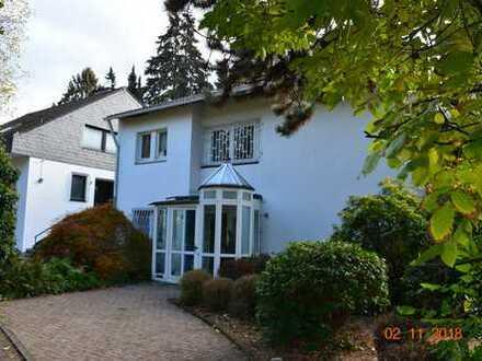 Schönes Haus mit sieben Zimmern in zentrumsnaher TOP-Lage von Haan!