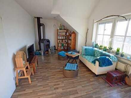 Moderne 2-Zimmer Dachgeschosswohnung in Aitrang!