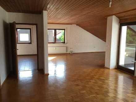 Großzügige 3,5 Zimmer Wohnung mit großer Loggia