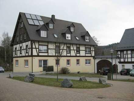 2-Raum-Wohnung in kleinem Wohnhof