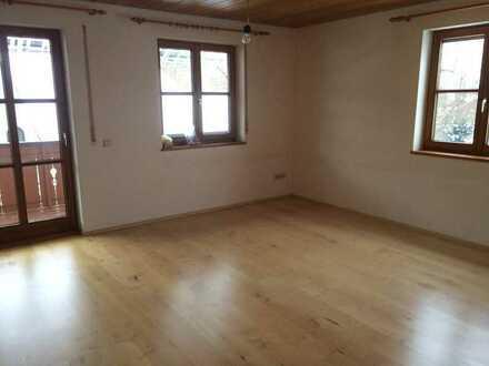 Gepflegte 4-Zimmer-Wohnung mit Balkon in Kaufering