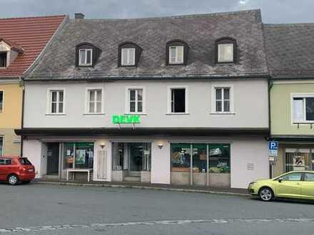 Schönes, geräumiges Wohn- und Geschäftshaus mit Dachterrasse zentrumsnah in TIR