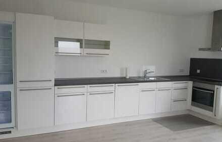 Erstbezug nach Sanierung mit EBK: freundliche 2,5-Zimmer-Wohnung in Bielefeld