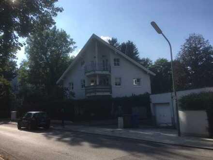 2-Zimmer-Wohnung mit Terasse und EBK in Solln, München