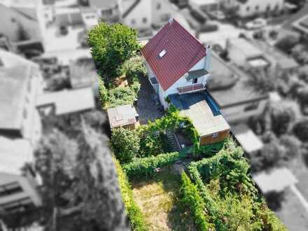 Doppelhaushälfte mit großem Garten und Garage in ruhiger Lage
