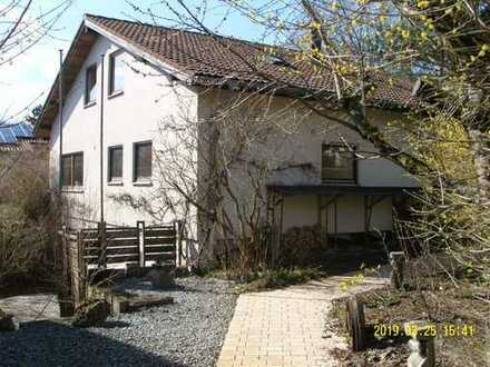 Haus mit Herz in schön angelegtem Garten, im Stadtteil Böfingen