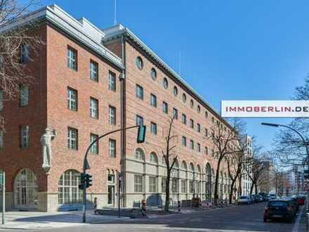 IMMOBERLIN: Toplage, Architektur & Design! Grundsanierte Altbauwohnung für den Ersteinzug mit Concie