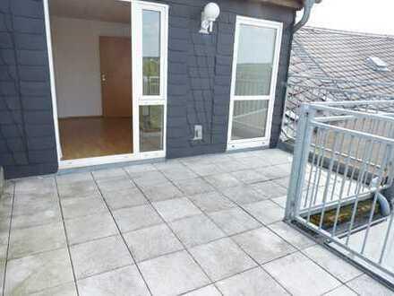 DG-Maisonette mit großer Dachterasse !!! Balkon und Bad mit Fenster